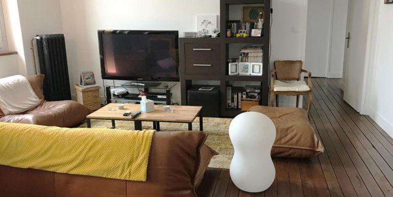 Appartement T4 rénové de 117 m2  - Parking - CaveA.B.I - Agence Bourdarios Immobilier - A.B.I  Agence Bourdarios Immobilier-2