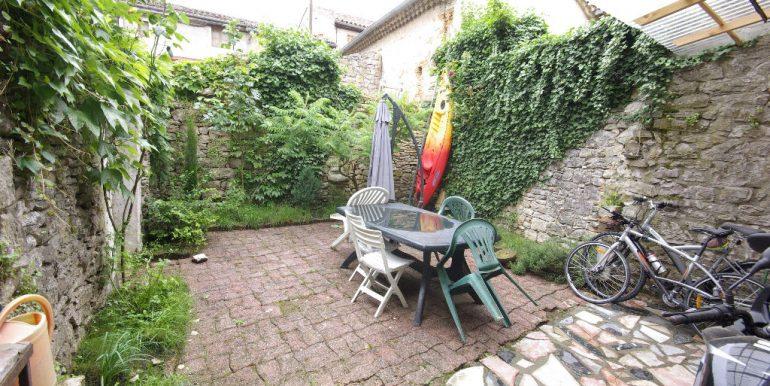 Maison ancienne avec cour au coeur du villageA.B.I - Agence Bourdarios Immobilier - A.B.I  Agence Bourdarios Immobilier-6