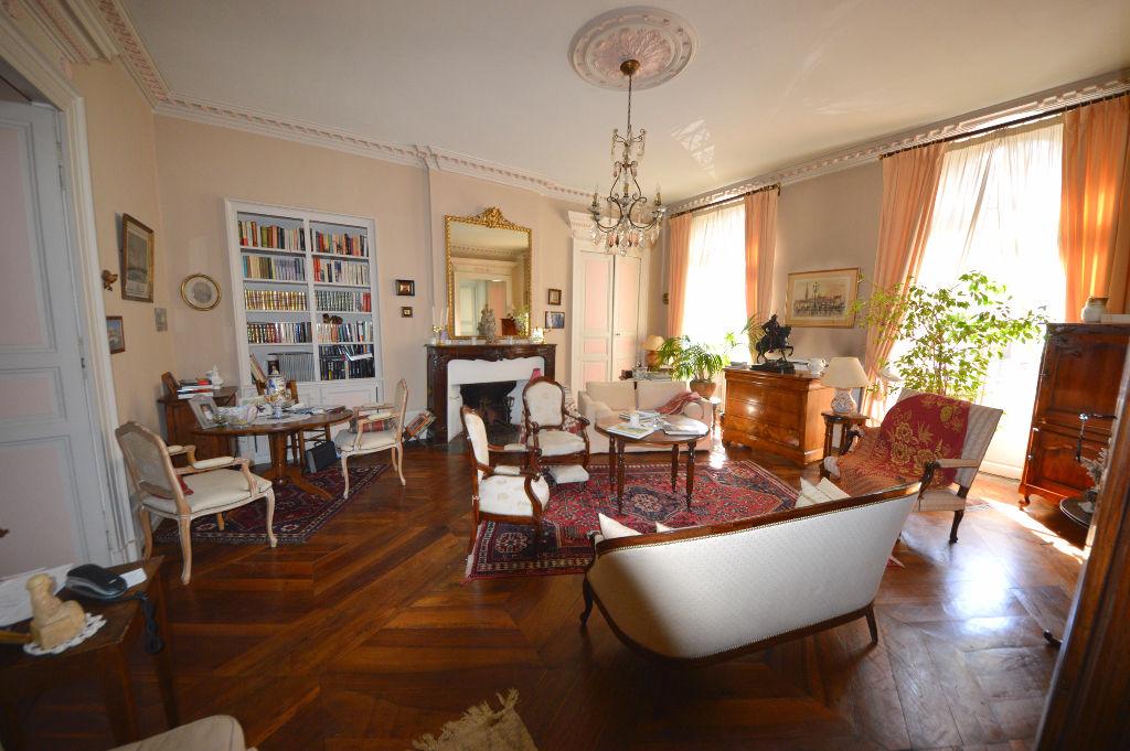 Montauban – Bel appartement T3 de 103m2 au charme ancien