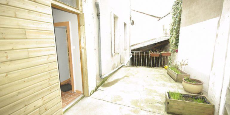 Appartement avec terrasse tout à piedsA.B.I - Agence Bourdarios Immobilier - A.B.I  Agence Bourdarios Immobilier-4