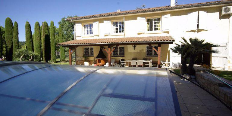 Maison de Maçon Montauban-Sud T6  de 130 m2 piscine sur un  grand parc arborésA.B.I - Agence Bourdarios Immobilier - A.B.I  Agence Bourdarios Immobilier-12