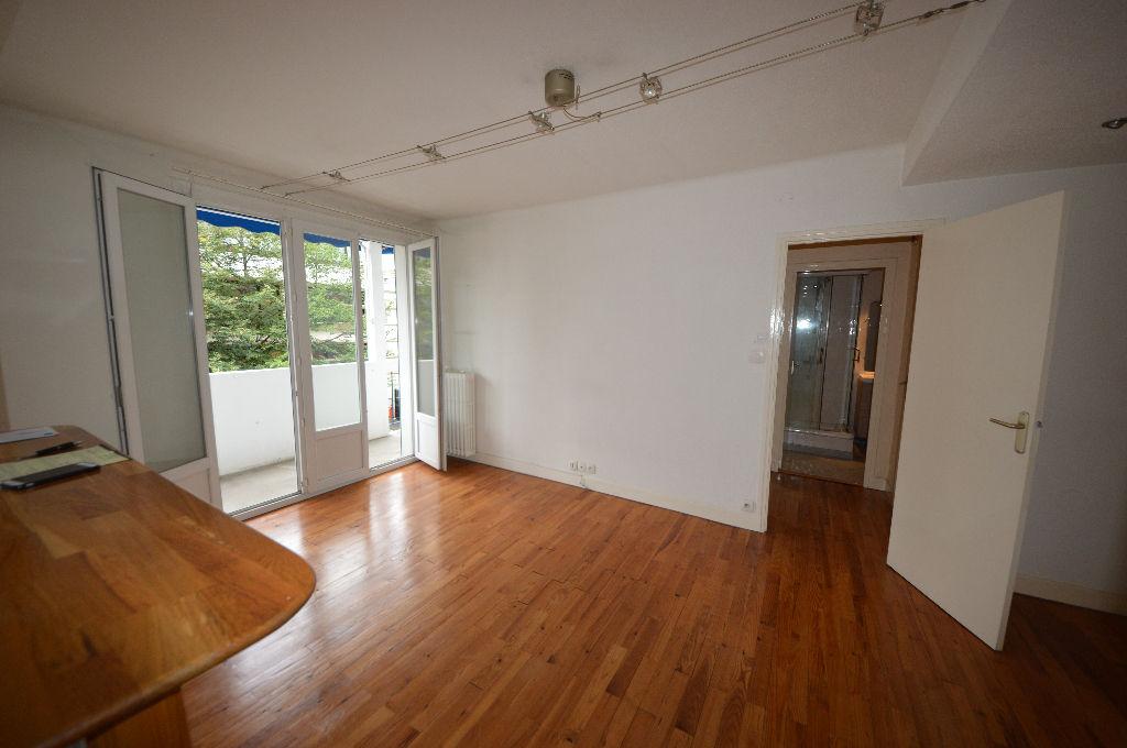 Appartement T2 loggia, cellier avenue Gambetta
