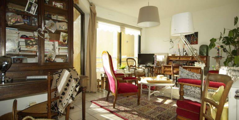 Appartement de 90 m² type 4 proche centre-ville 2 balcons place parkingA.B.I - Agence Bourdarios Immobilier -  A.B.I  Agence Bourdarios Immobilier-2