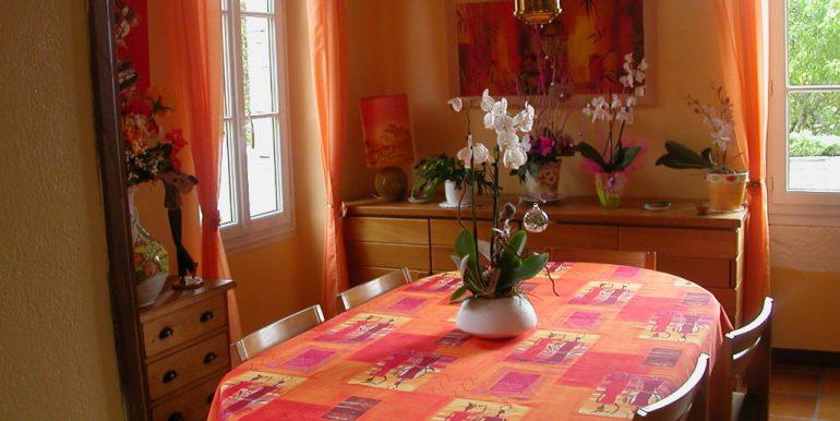Maison proche Caussade 9 pièce(s) 215 m2A.B.I - Agence Bourdarios Immobilier - A.B.I  Agence Bourdarios Immobilier-2