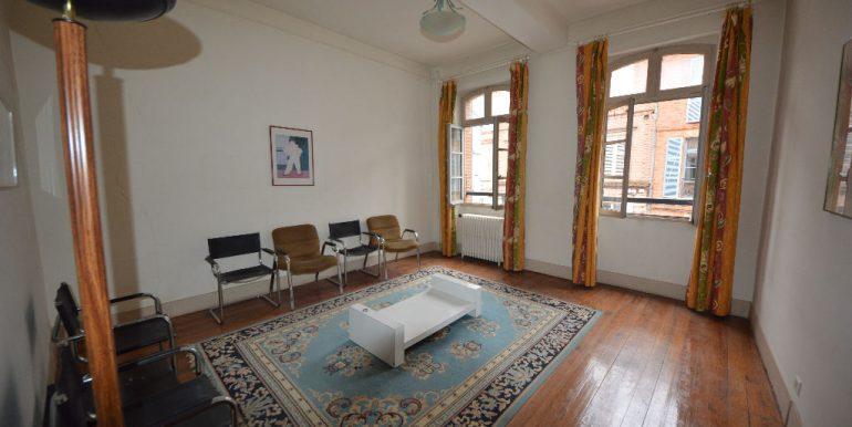 Maison 6 p Montauban. Faubourg très prisé