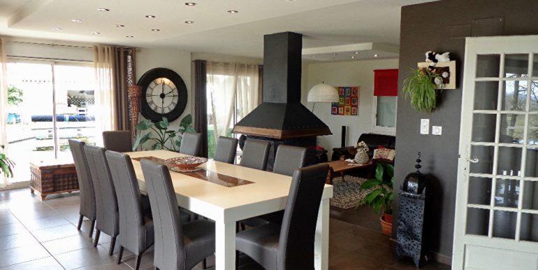 Maison 260 m2 piscine et dépendances avec vue dominanteA.B.I - Agence Bourdarios Immobilier - A.B.I  Agence Bourdarios Immobilier-2