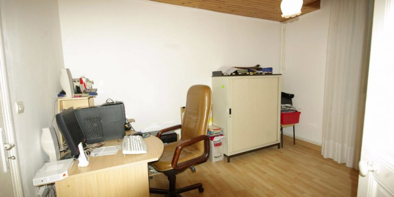spacieuse T 7 avec jardin et dépendances - Montauban OuestA.B.I - Agence Bourdarios Immobilier - A.B.I  Agence Bourdarios Immobilier-5
