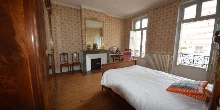 Montauban Centre Ville  Grande Maison Bourgeoise de 240 m²