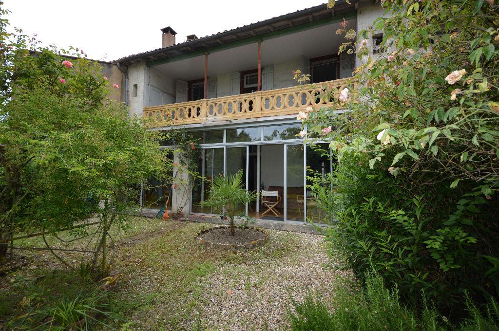 Montauban Centre Ville  Grande Maison Bourgeoise de 240 m², jardin, garage