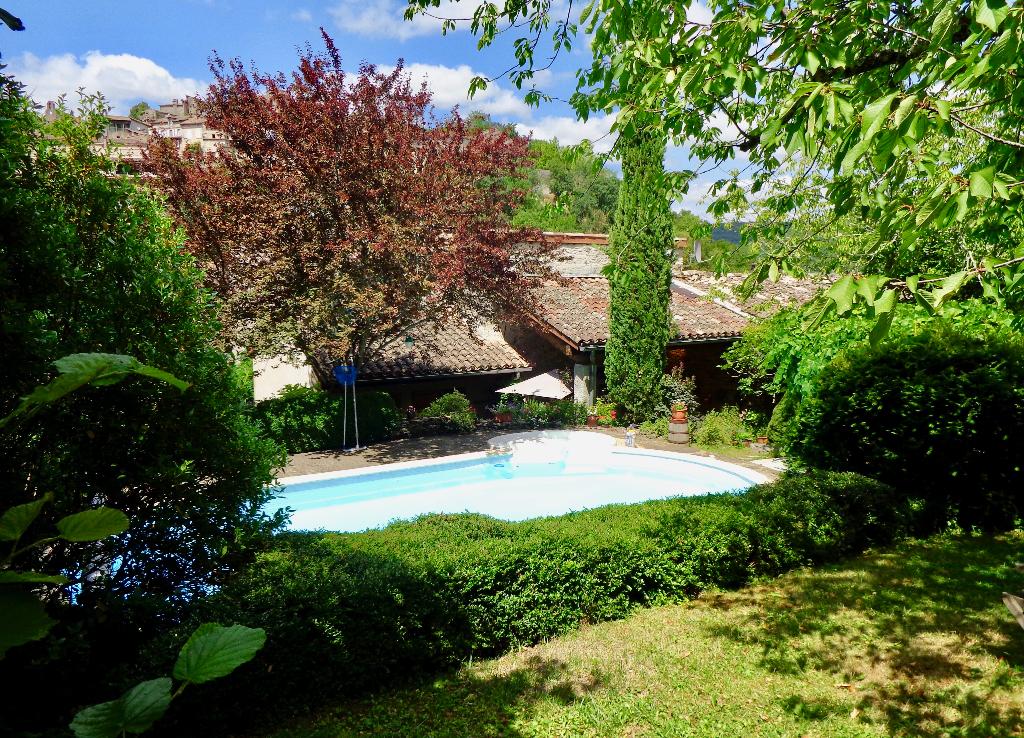 Maison 148 m2 avec piscine et garage