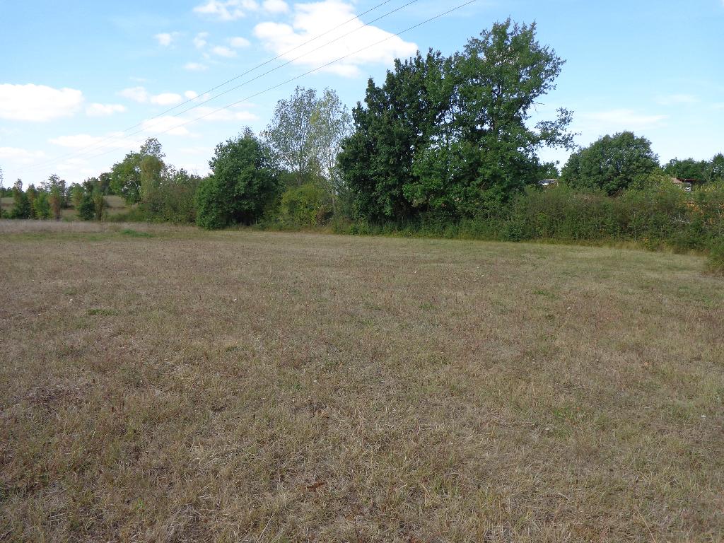 Terrain  2807 m2- proche Septfonds