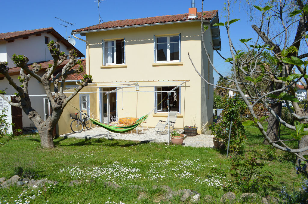 Maison à Montbeton avec Jardin