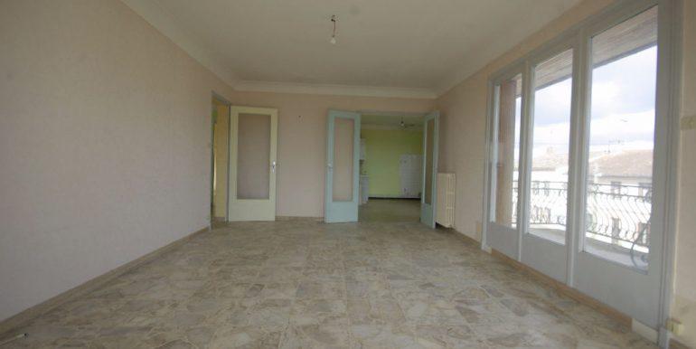 Maison TRADITIONELLE Divisée en 2 Appartements - MontaubanA.B.I - Agence Bourdarios Immobilier -  A.B.I  Agence Bourdarios Immobilier-2