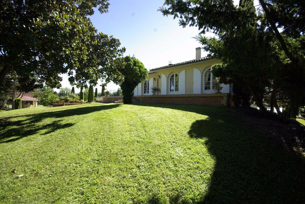 Maison de ma on montauban sud t6 de 130 m2 piscine sur un for Piscine grand parc