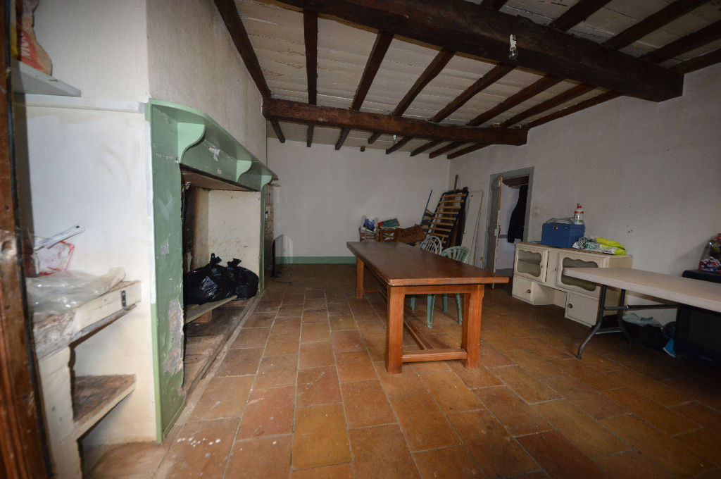 Maison de village de  à Monclar de Quercy 135 m² avec local commercial à rénover