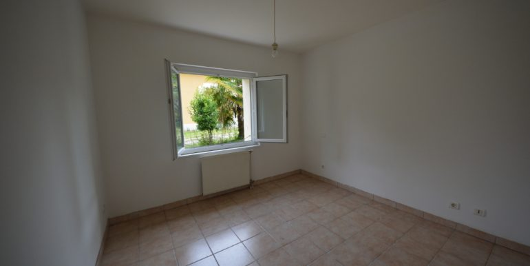 Maison de plain-pied au calme 3 pièces garage à VillebourbonA.B.I - Agence Bourdarios Immobilier - A.B.I  Agence Bourdarios Immobilier-5