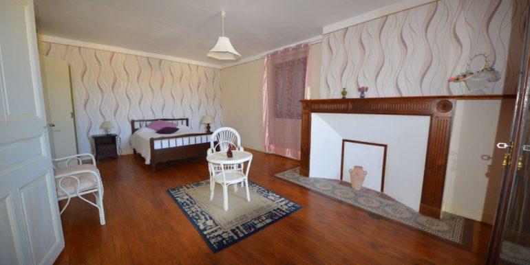 Ancien Moulin habitation 9 pièce(s) 300 m2 avec Grand Hangar 15 minutes  Montauban NordA.B.I - Agence Bourdarios Immobilier - A.B.I  Agence Bourdarios Immobilier-5