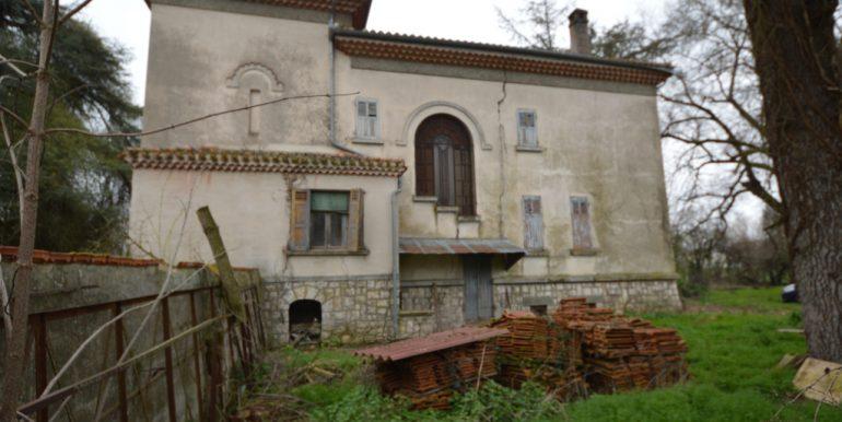 Maison 1930 cossue dans son état d'origine et dépendances importantesA.B.I - Agence Bourdarios Immobilier - A.B.I  Agence Bourdarios Immobilier-4