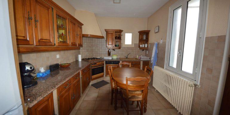 Maison 1930 Coeur de Villebourbon  5 pièce(s) 113 m2 avec courA.B.I - Agence Bourdarios Immobilier - A.B.I  Agence Bourdarios Immobilier-2