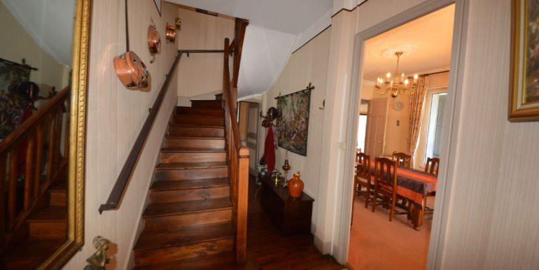 Maison 1930 Coeur de Villebourbon  5 pièce(s) 113 m2 avec courA.B.I - Agence Bourdarios Immobilier - A.B.I  Agence Bourdarios Immobilier-3