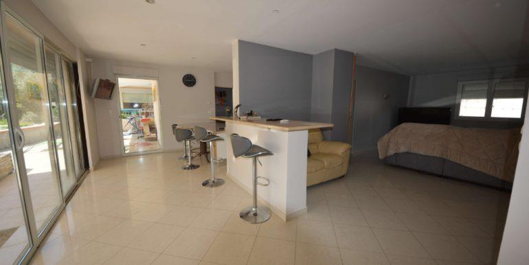 MAISON TRADITIONELLE T6 avec GRAND STUDIO Indépendant 40m²   pisicine sur un  Terrain de 1600 m²A.B.I - Agence Bourdarios Immobilier - A.B.I  Agence Bourdarios Immobilier-3