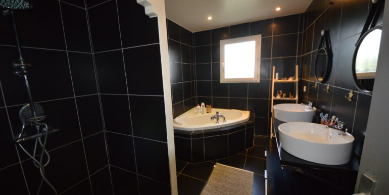 Villa récente au calme...A.B.I - Agence Bourdarios Immobilier - A.B.I  Agence Bourdarios Immobilier-7