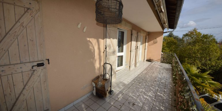 piscine jardin arborés avec puitsA.B.I - Agence Bourdarios Immobilier - A.B.I  Agence Bourdarios Immobilier-5