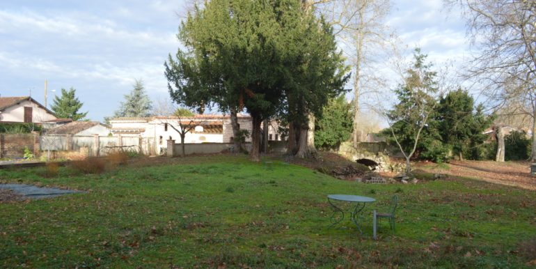 toutes commodités du village à piedsA.B.I - Agence Bourdarios Immobilier - A.B.I  Agence Bourdarios Immobilier-7