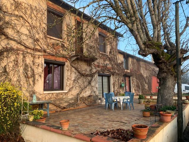 Grande maison  au calme, proche du Tarn