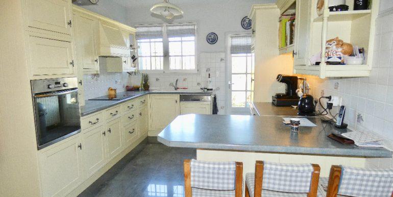 Maison 225m² avec garage et cave sur terrain 10420m²A.B.I - Agence Bourdarios Immobilier - A.B.I  Agence Bourdarios Immobilier-3