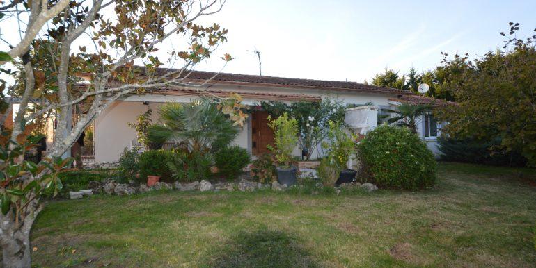Villa paisible  à 10 mn de MontaubanA.B.I - Agence Bourdarios Immobilier - A.B.I  Agence Bourdarios Immobilier-11
