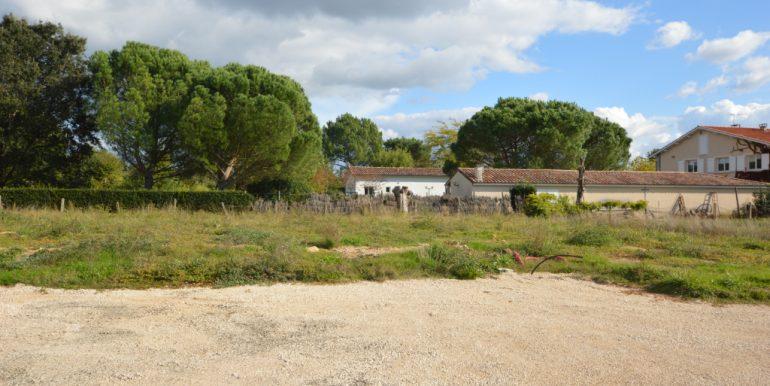 Bas Pays 700 m2 ViabiliséA.B.I - Agence Bourdarios Immobilier - A.B.I  Agence Bourdarios Immobilier-1