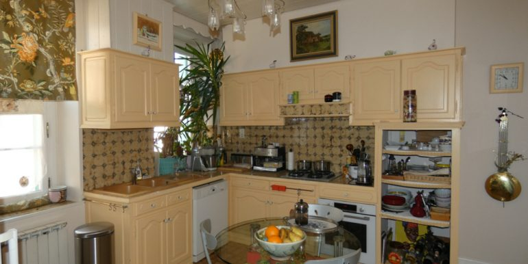 Appartement 109 m2 + grenier et parking souterrainA.B.I - Agence Bourdarios Immobilier - A.B.I  Agence Bourdarios Immobilier-5